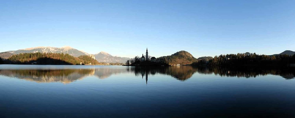 slovenia-lake-bled-pano-reflection.jpg