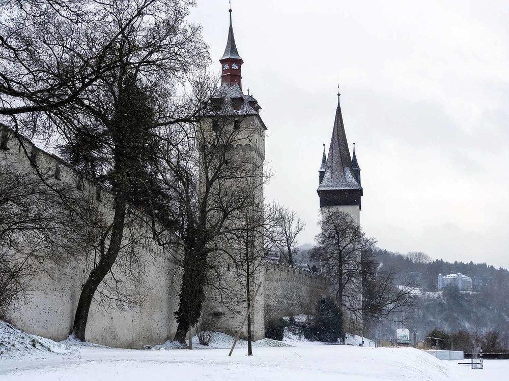switzerland-lucerne-castle-walls.jpg