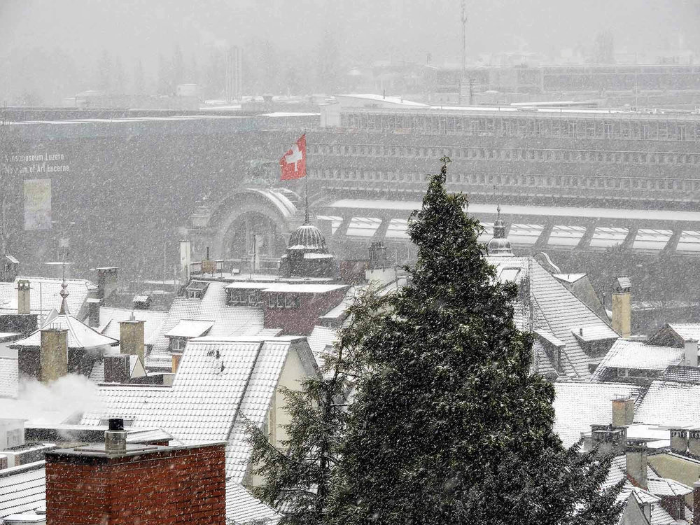 switzerland-lucerne-january-snow-storm.jpg