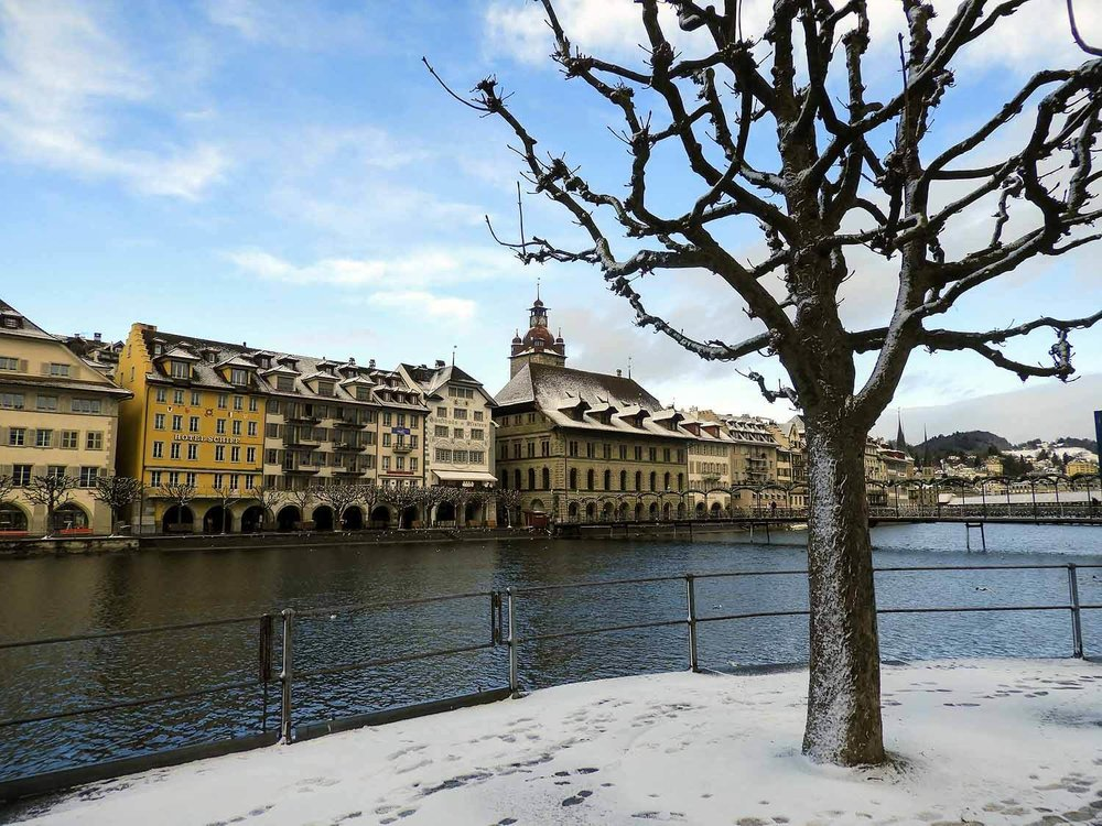 switzerland-lucerne-winter-scene.jpg
