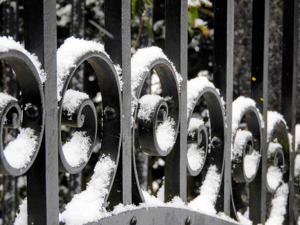 switzerland-lucerne-snow-railing-january.jpg