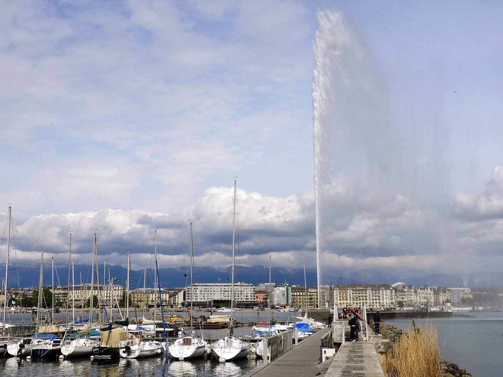 switzerland-geneva-fountain.jpg