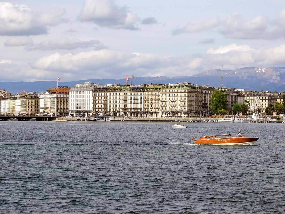 switzerland-geneva-lake-boat.jpg