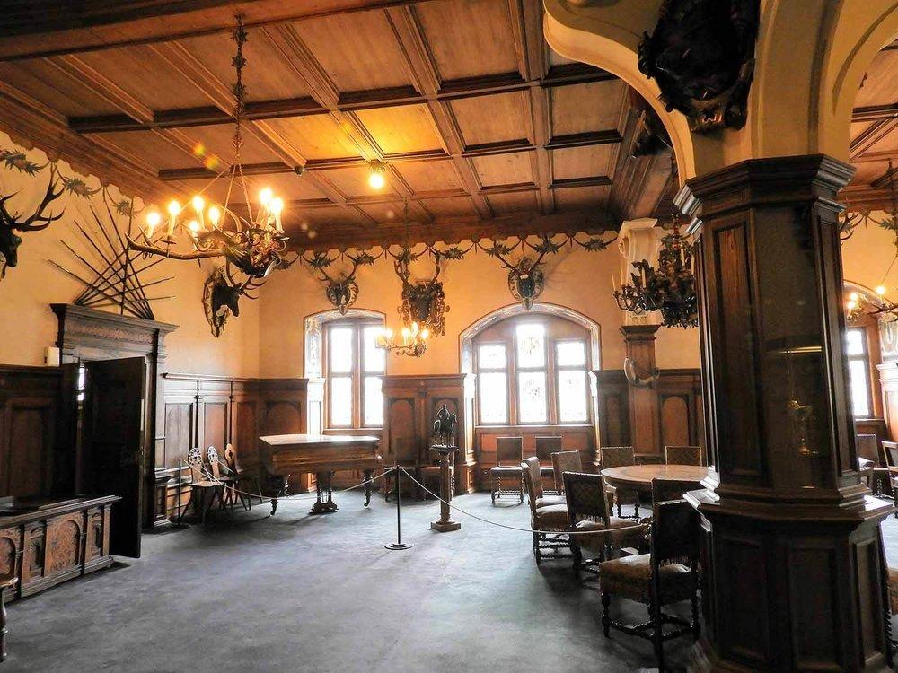 germany-bebenhausen-royal-hunting-lodge-red-stag-antlers.jpg
