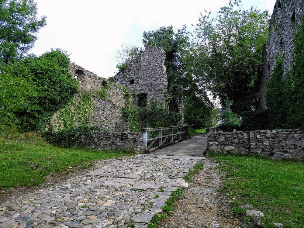 germany-hohentwiel-castle-ruins-main-road.jpg