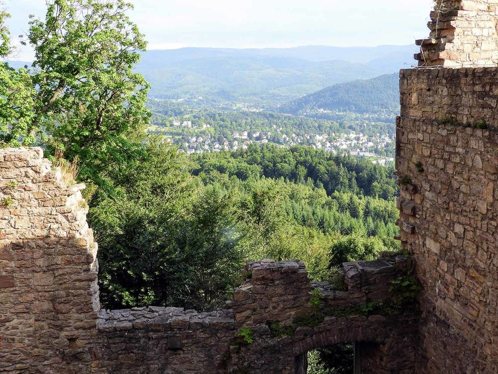 germany-baden-baden-altes-schloss-castle-ruins-view.jpg