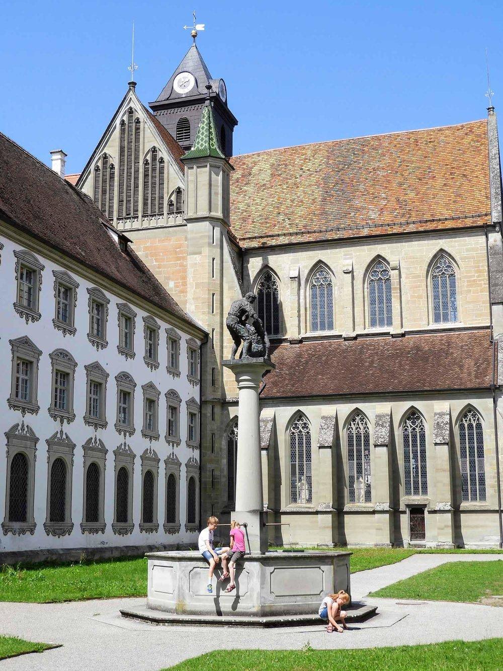 germany-salem-monastery-courtyard-well.jpg