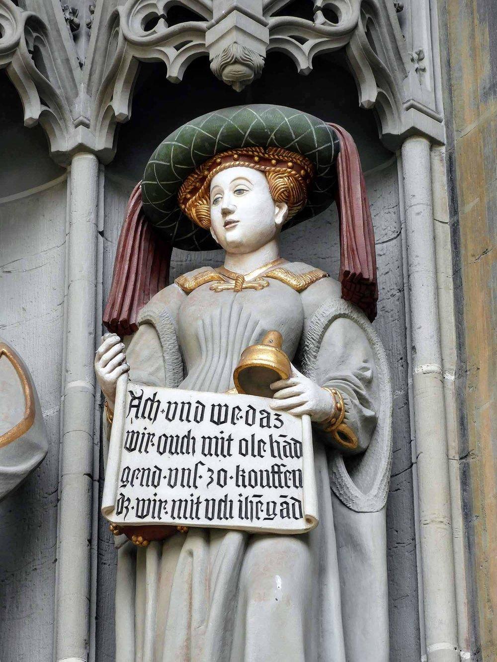 switzerland-bern-frau-woman-statue.jpg