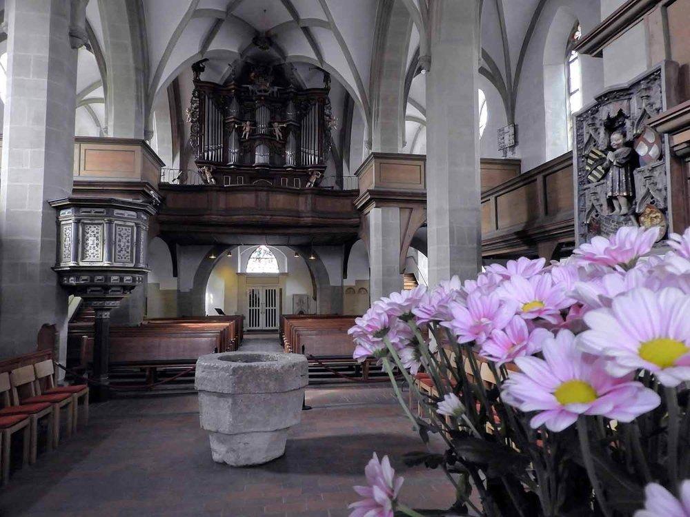 germany-Weikersheim-castle-gardens-schloss-alter-flowers.jpg
