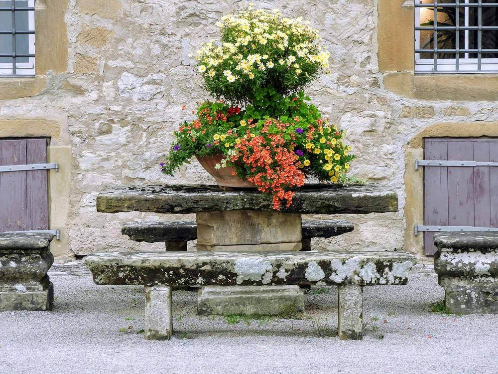 germany-Weikersheim-castle-gardens-schloss-flower-pot-table.jpg