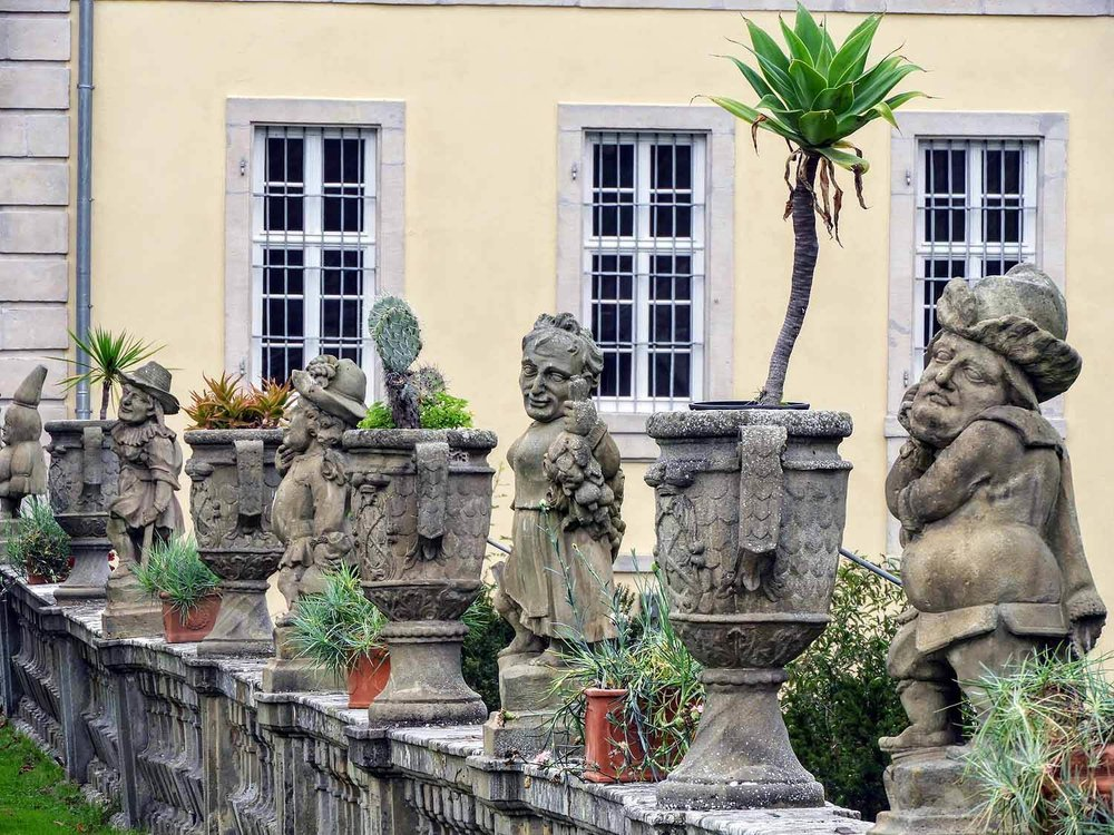 germany-Weikersheim-castle-gardens-schloss-garden-statues.jpg
