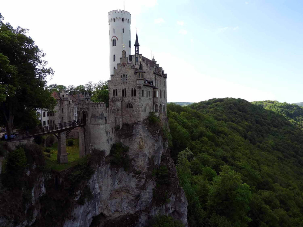 germany-schloss-lichtenstein-caslte-cliff.JPG