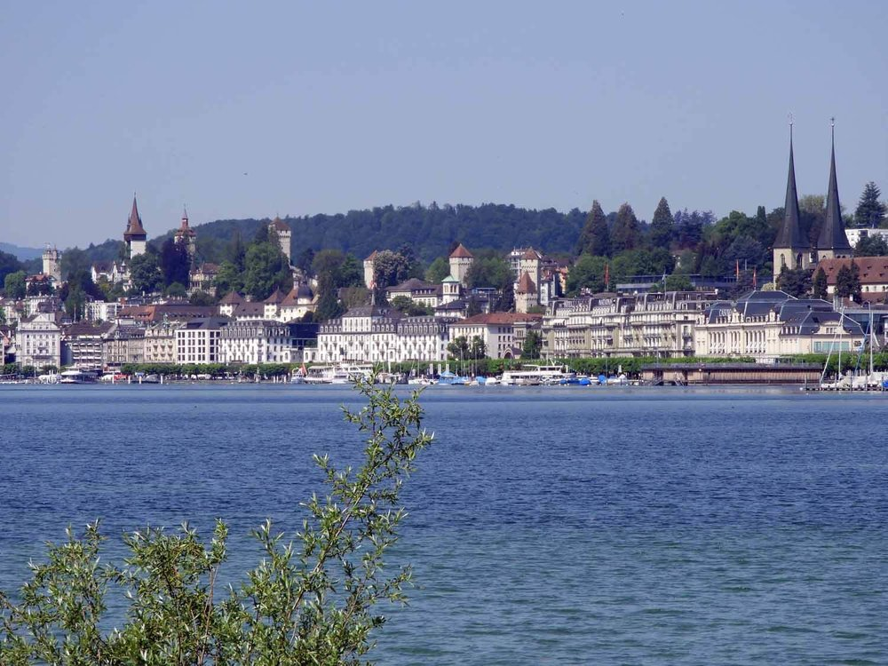 switzerland-lucerne-lake.JPG