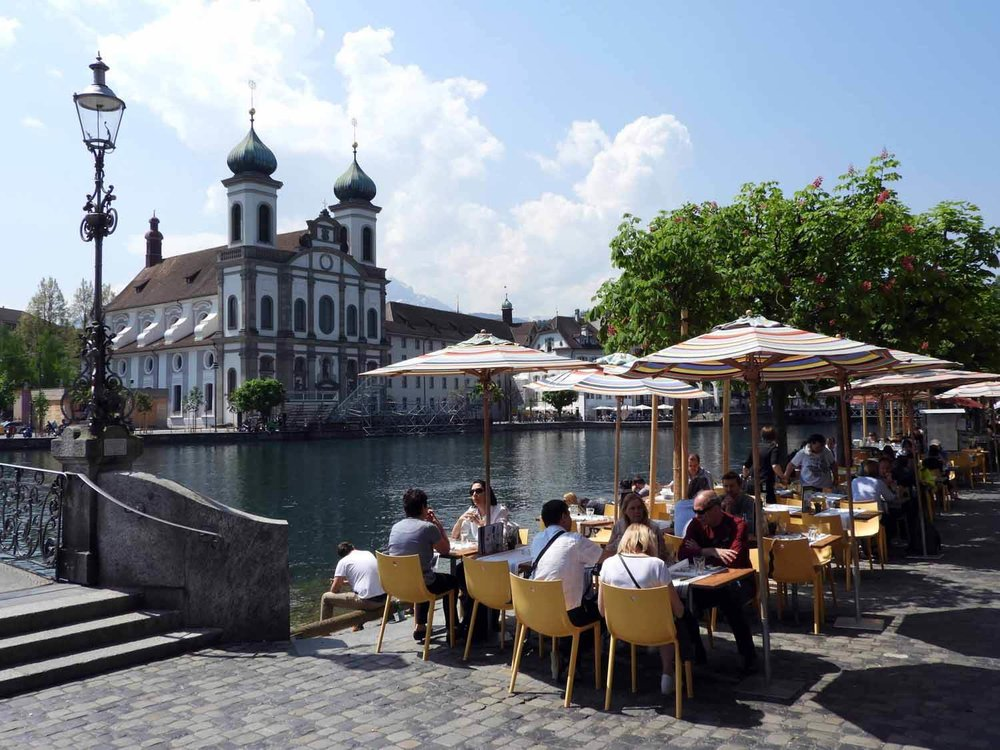 switzerland-lucerne-cafe-bridge-river.JPG