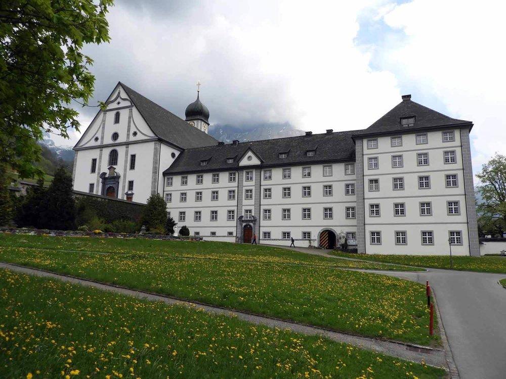 switzerland-engelberg-monestary-courtyard.JPG