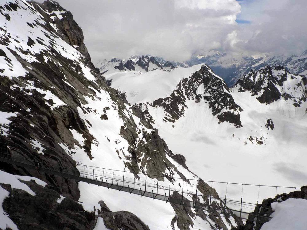 switzerland-titlis-cliff-walk-cable-bridge.JPG