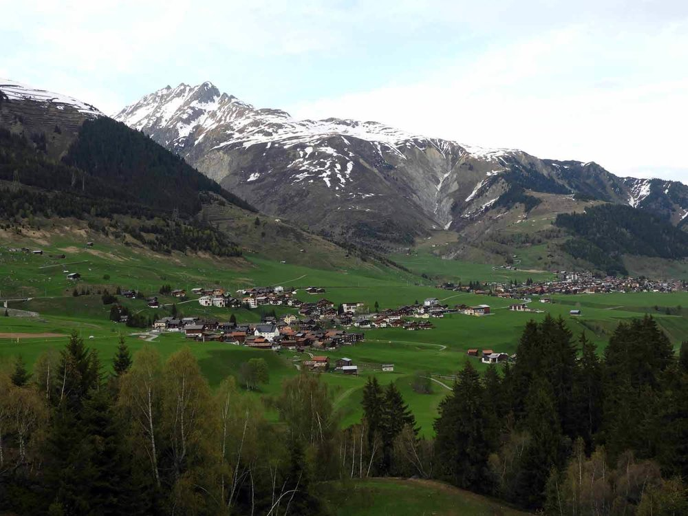 switzerland-oberalppass-vorderrhein-river-valley-pasture.JPG