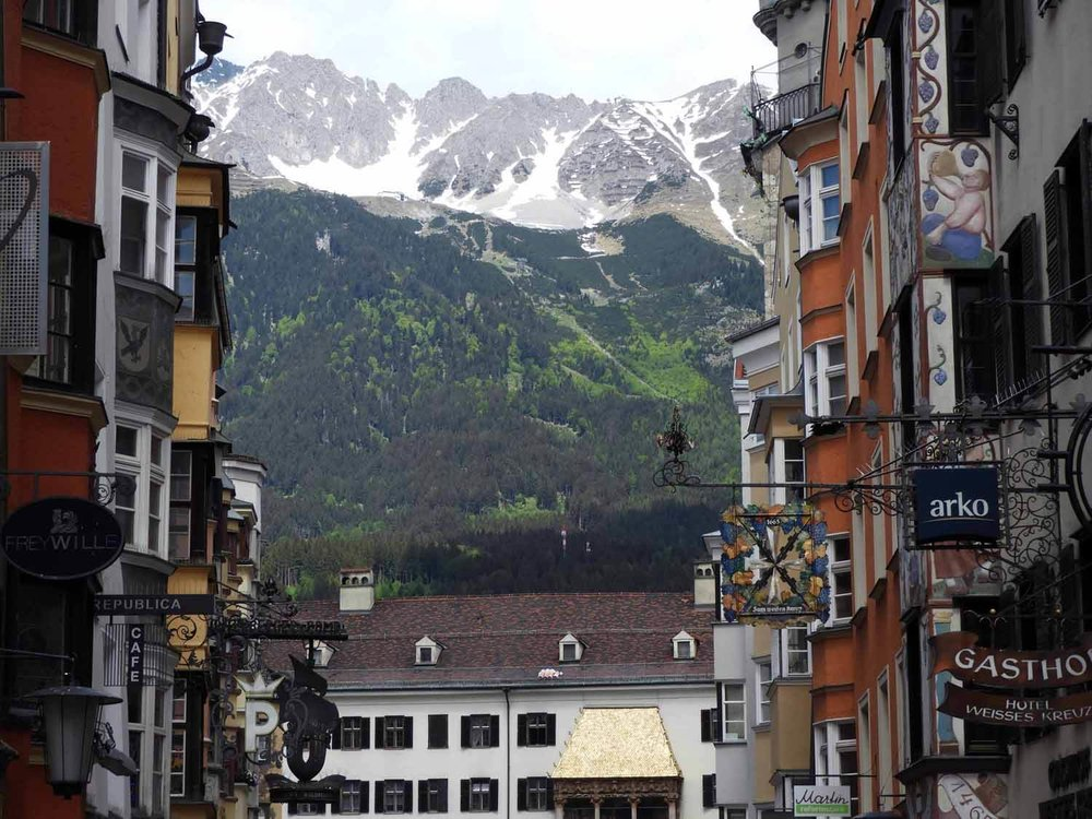 austria-innsbruck-mountainview-street-view.JPG