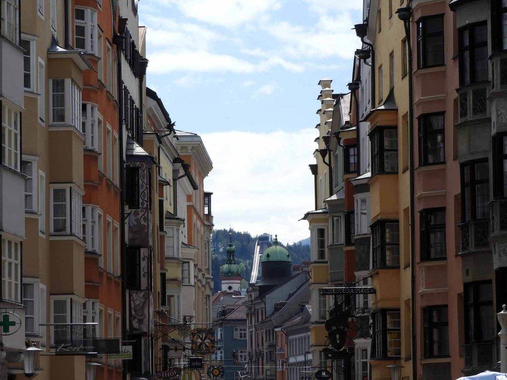 austria-innsbruck-street-veiw-mountains.JPG