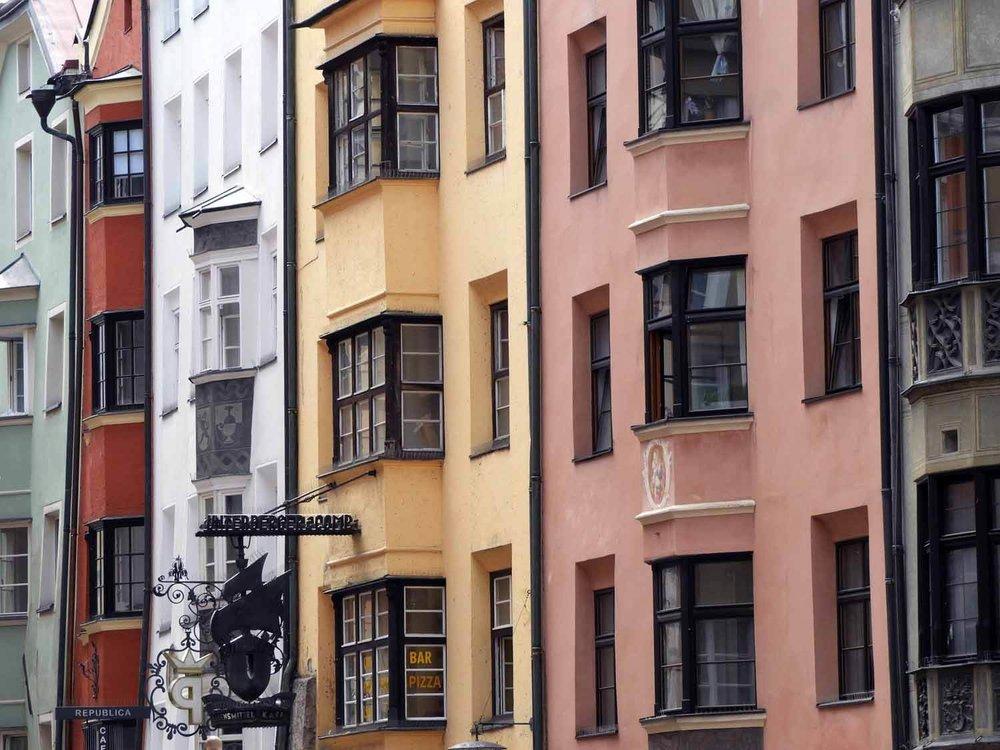 austria-innsbruck-colorful houses-rowhouse.JPG