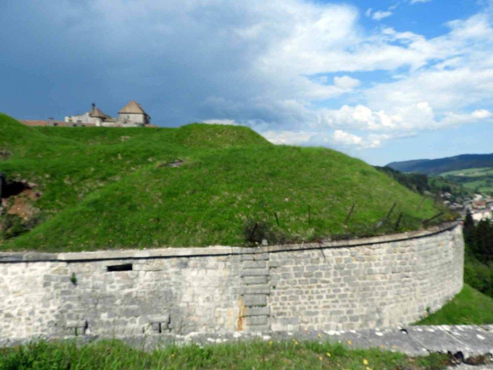 france-chateau-de-joux-castle-walls-defence.JPG