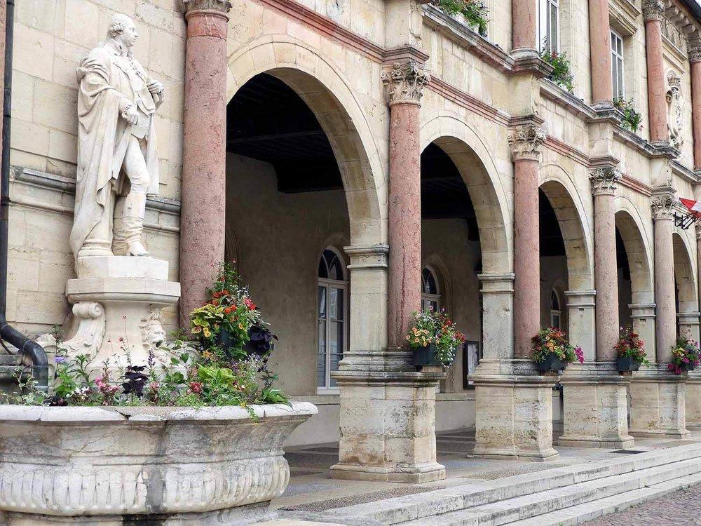 france-gray-commune-town-hall.JPG