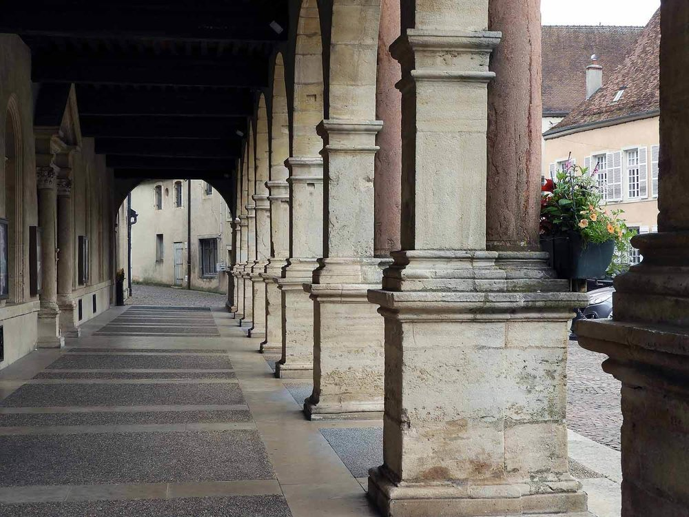 france-gray-commune-town-hall-arches.JPG
