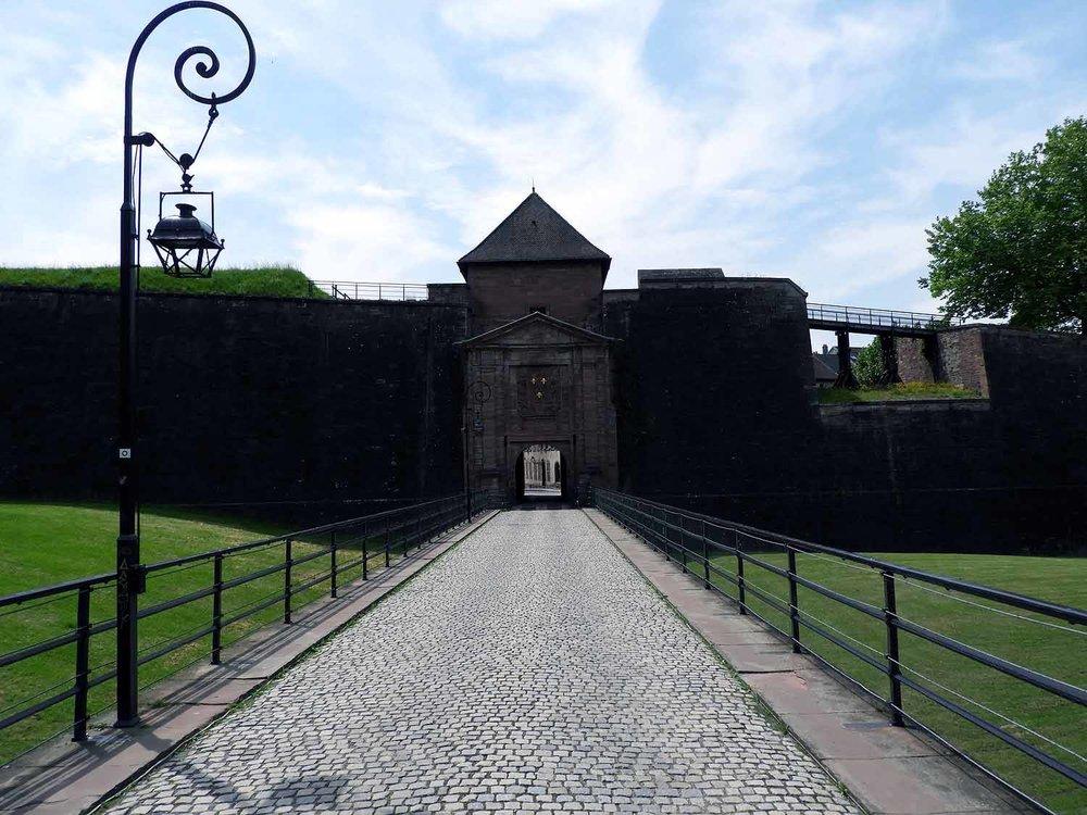 france-belfort-fort-wall-entrance.JPG