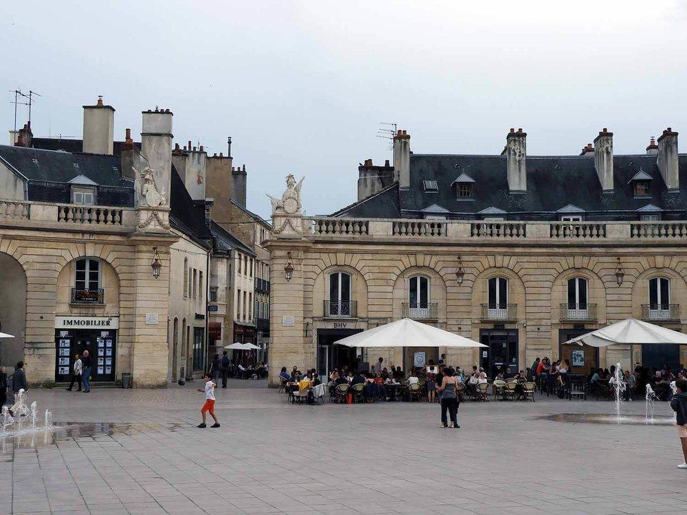 france-dijon-place de-la-libération-square.JPG