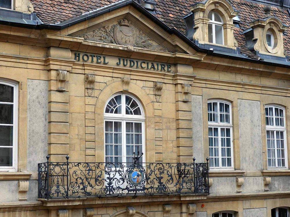 switzerland-neuchatel-french-architecture.JPG