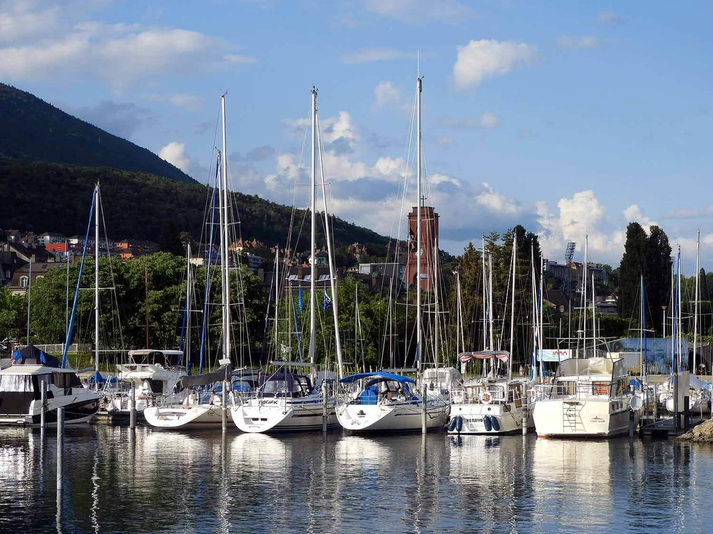 switzerland-neuchatel-harbor-boats-dock.JPG