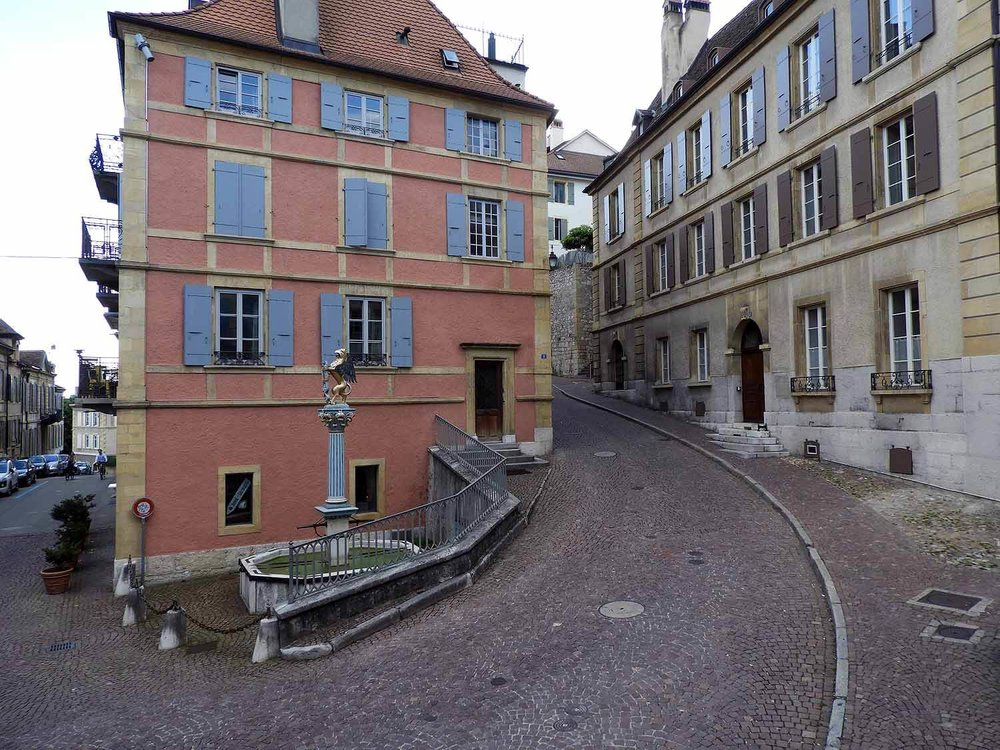 switzerland-neuchatel-quaint-streets.JPG
