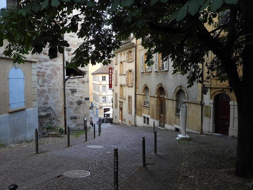 switzerland-neuchatel-quiet-streets.JPG
