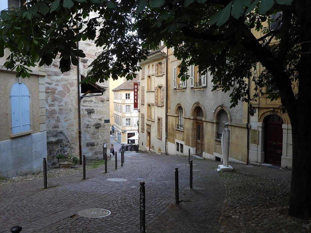 switzerland-neuchatel-quiet-streets.JPG
