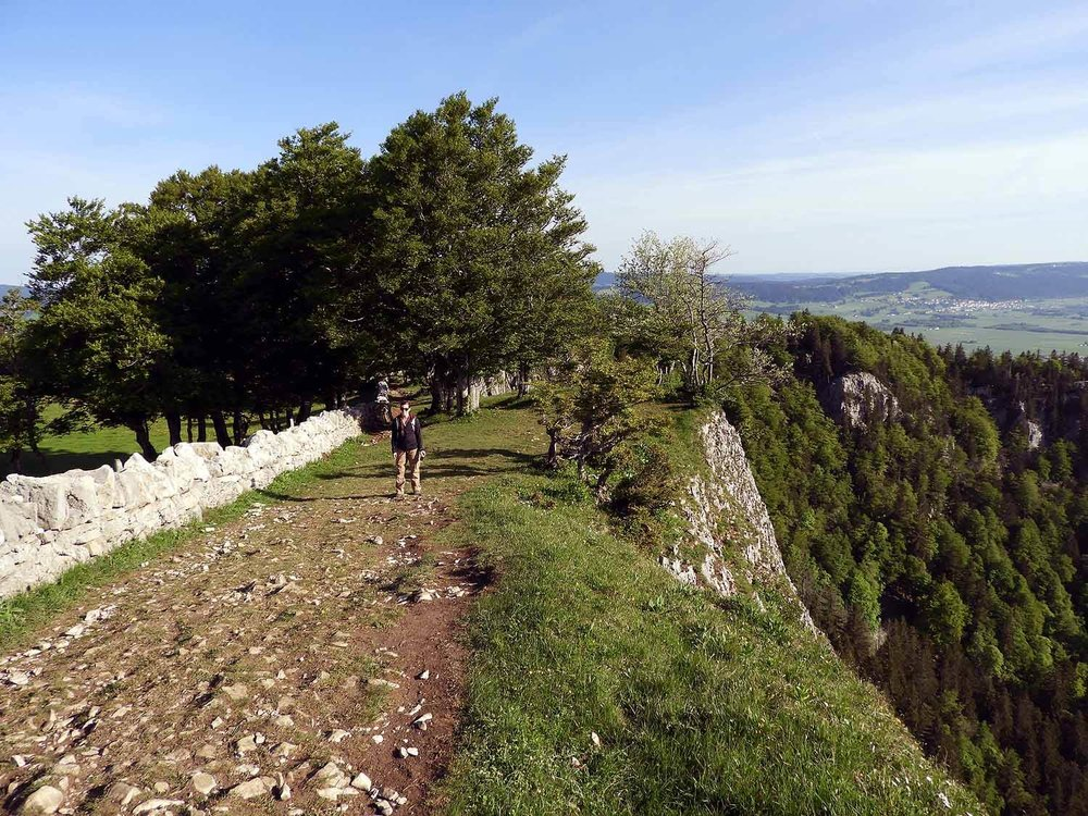 switzerland-cruex-du-van-cliff-stone-wall.JPG