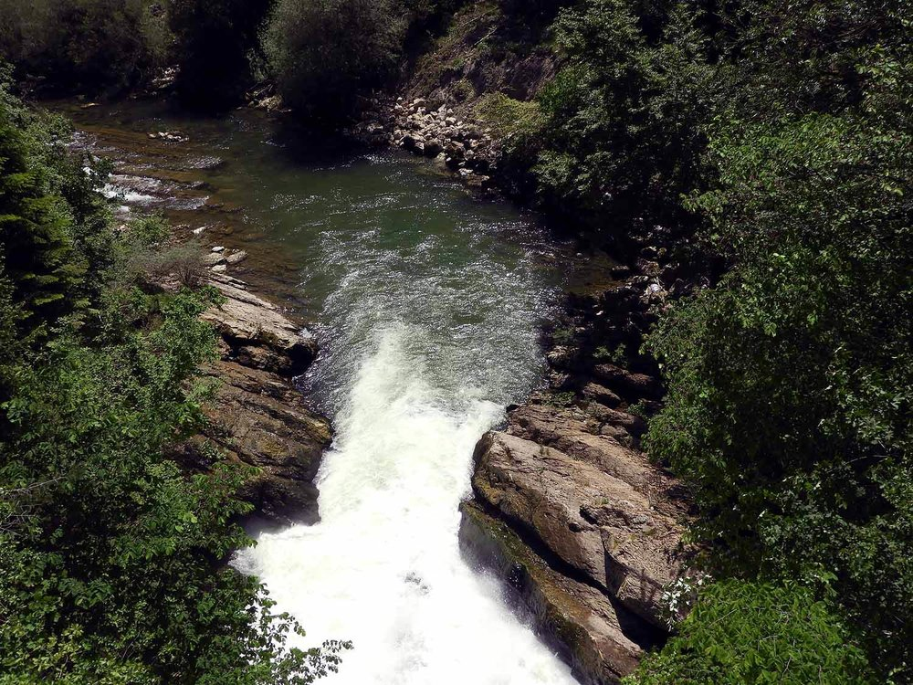 switzerland-saut-pont-brot-hike-walk-hiking-river-falls.JPG