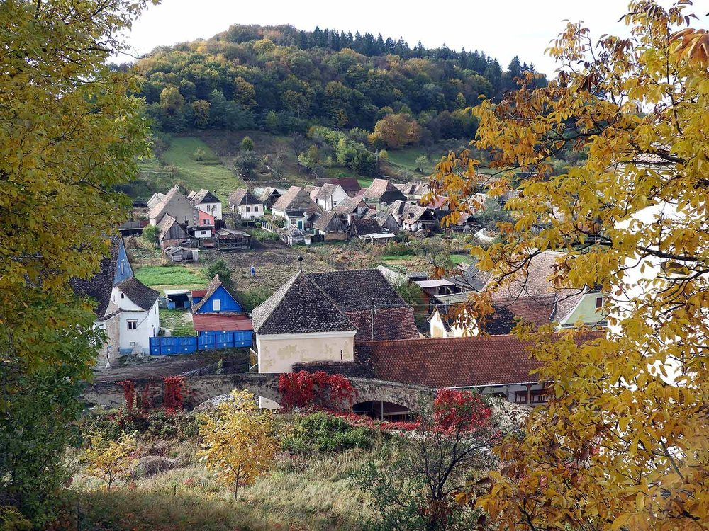 romania-biertran-autumn-countryside.JPG