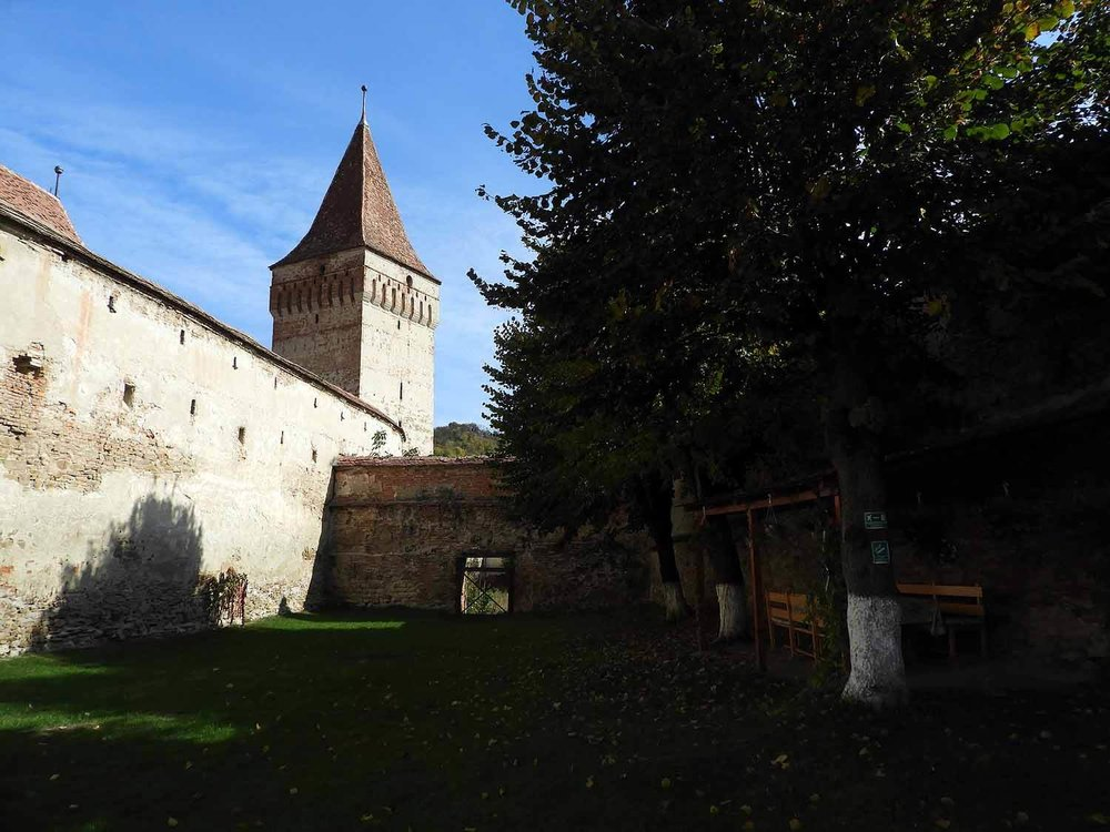 romania-mosna-fortified-church-walls.JPG
