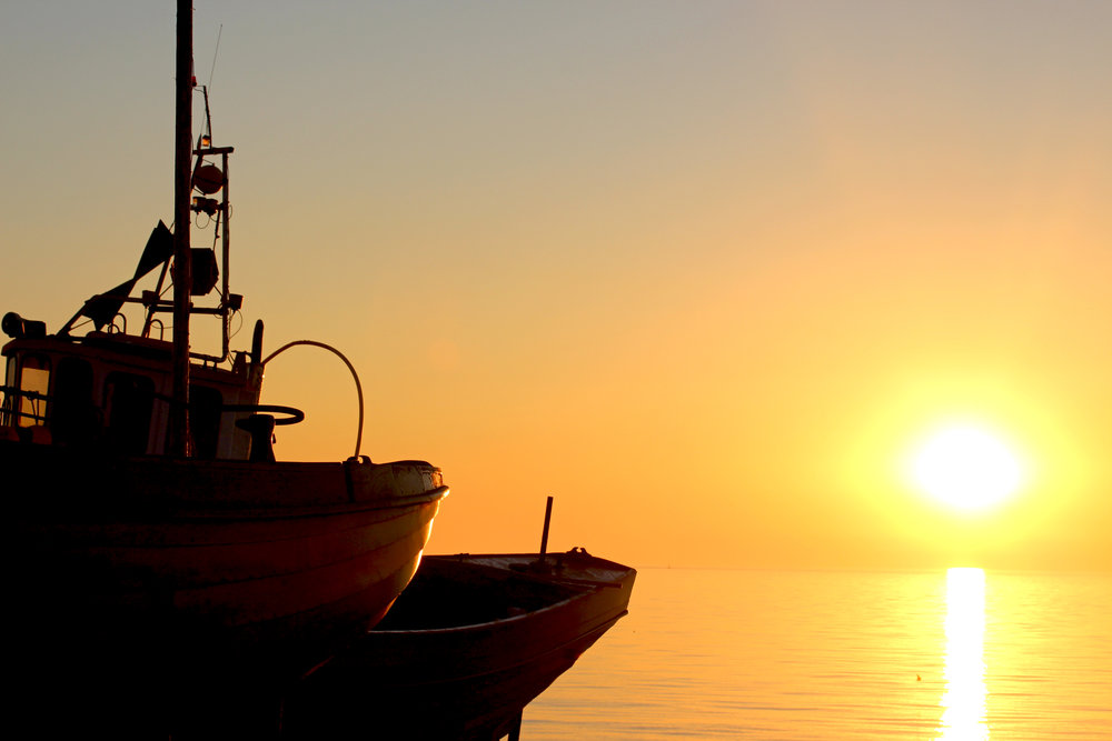 4_Sunrise_Fishingboat1.jpg