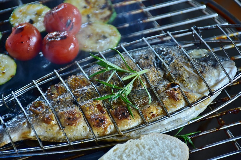 cook-a-whole-fish-on-the-barbecue.jpg