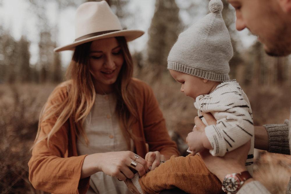 Seattle-Family-Photographer-Kerouac-1370.jpg