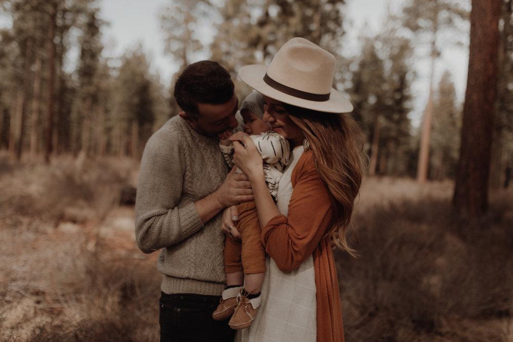 Seattle-Family-Photographer-Kerouac-1516.jpg