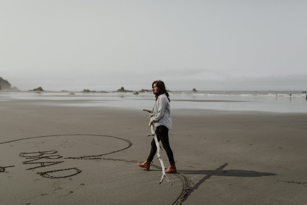 Ruby-Beach-Engagement-Session-10.jpg