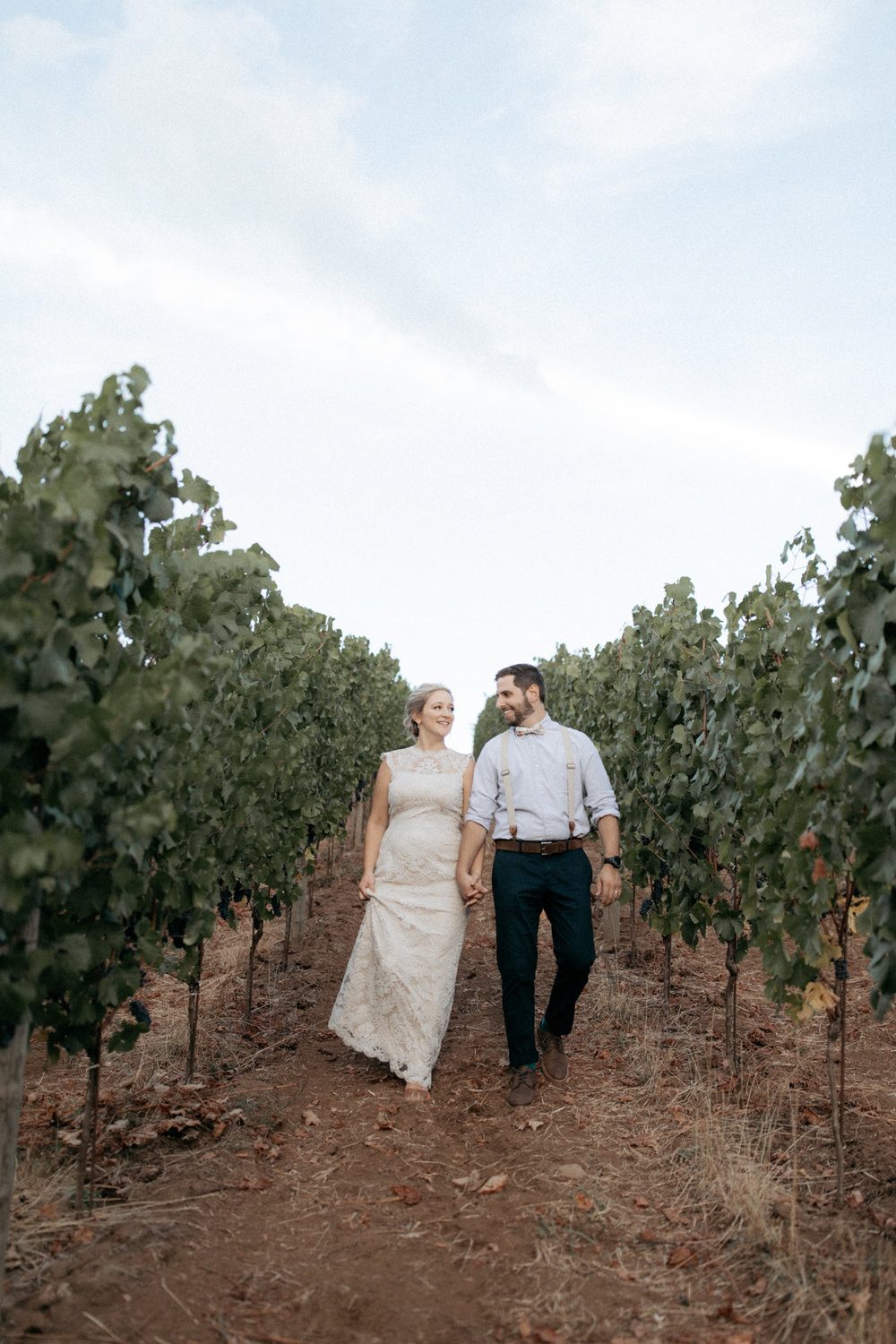 Summer wedding at Tumwater vineyard in Oregon's wine country