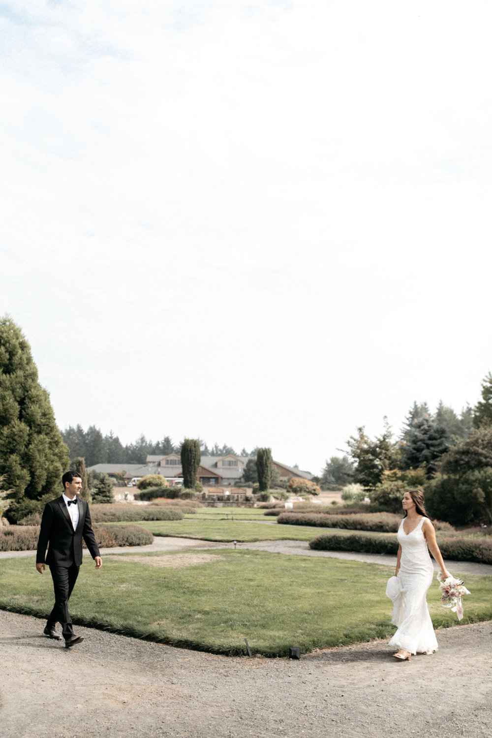 oregon gardens wedding in Silverton oregon