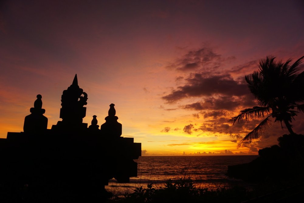 Tanah Lot carving at sunet
