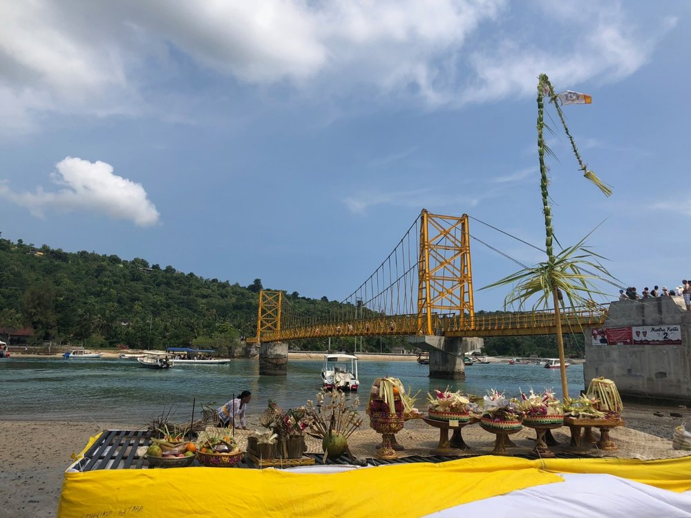 yellow bridge on Nusa Ceniga. boldlygotravel.com