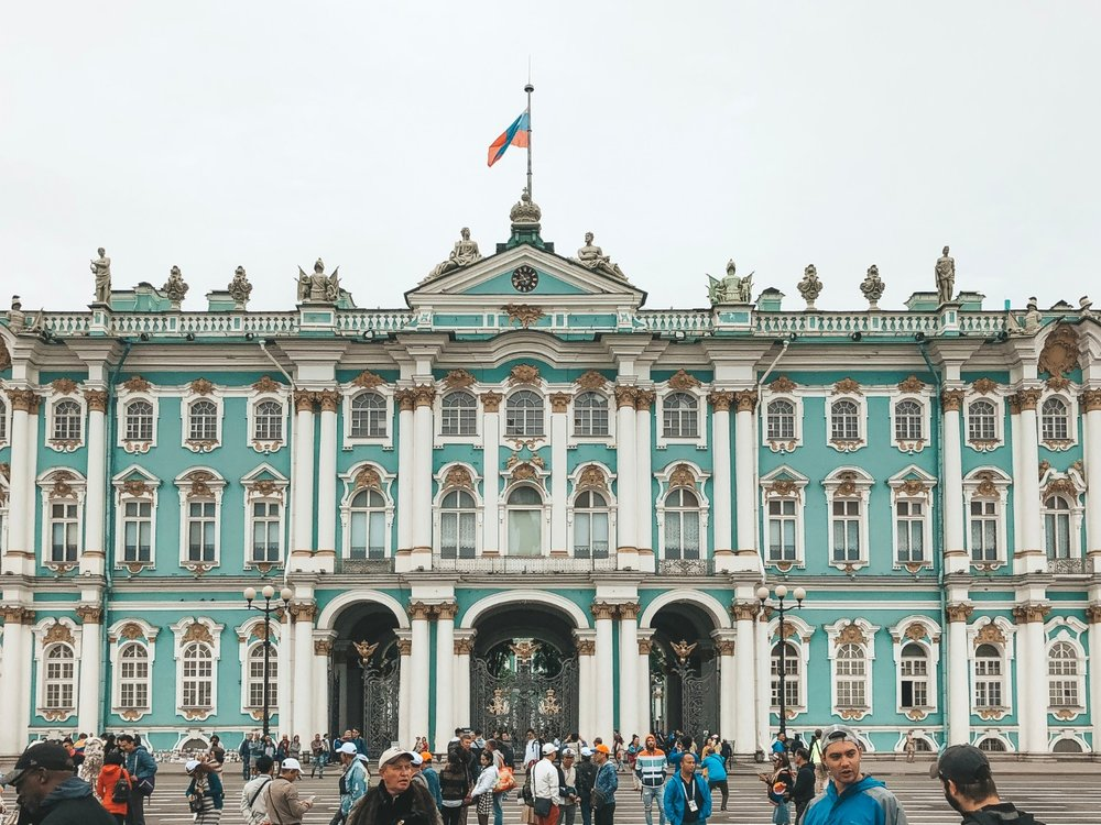 checking out winter palace in St. Petursburg, Russia. boldlygotravel.com