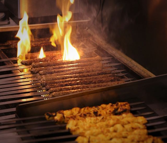 Our grills are fired up and we have a seat saved for you, stop by and #SayHelloToChello!⠀ .⠀⠀ .⠀⠀ #sayhellotochello #yournewlunchspot #maybedinnertoo #abq #freshfastfood #eatlocal #kabobs #chile #foodie #food #yummy #chickenkabob #kabob #koobideh #kabobs #Persian #persianfood