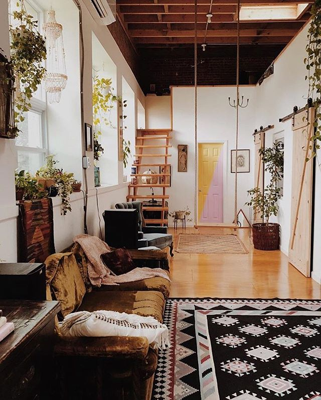 I love seeing the loft through our guests eyes.  Shot by recent @airbnb guest @stylecompanion . . . . #thefunkyloft #sharemystyle #airbnbphoto #uohome #anthrohome #airbnbexperience #bohochic #flashesofdelight #airbnb #apartmenttherapy #airbnbsuperhost #host #bohodecor #airbnblife #interiordesigner #howyouhome #airbnbguide #loftstyle #airbnbguest #myeclecticmix #bohemiandecor #thenewbohemians #hometohave #howwedwell #pocketofmyhome #theeverygirlathome #airbnbhost #airbnbphoto